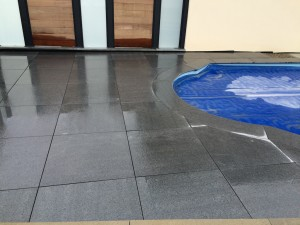 philvertpaysage-dallage granit gris foncé Reiningue